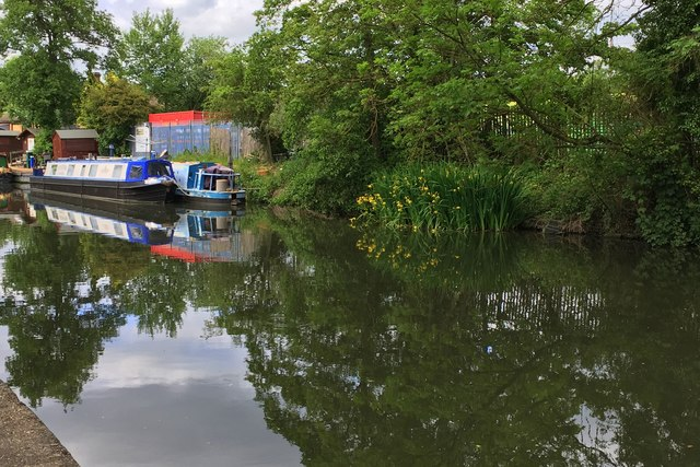 Boats on the Grand Union Canal