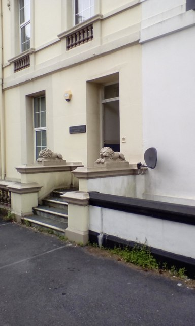Lions at the door, North Hill, Mutley