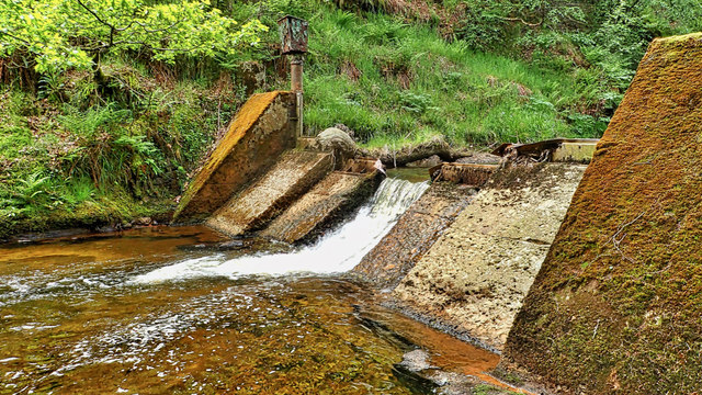 Disused weir, Hodge Beck