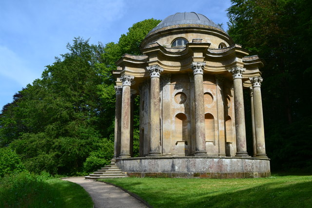 Stourhead Garden: the Temple of Apollo