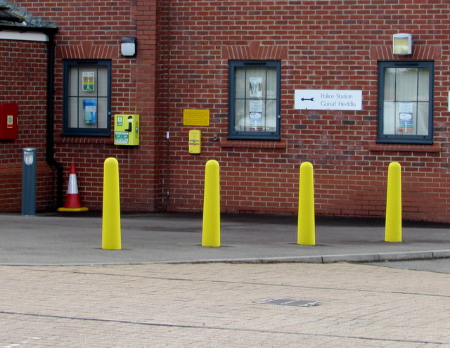Yellows outside Ystrad Mynach Police Station