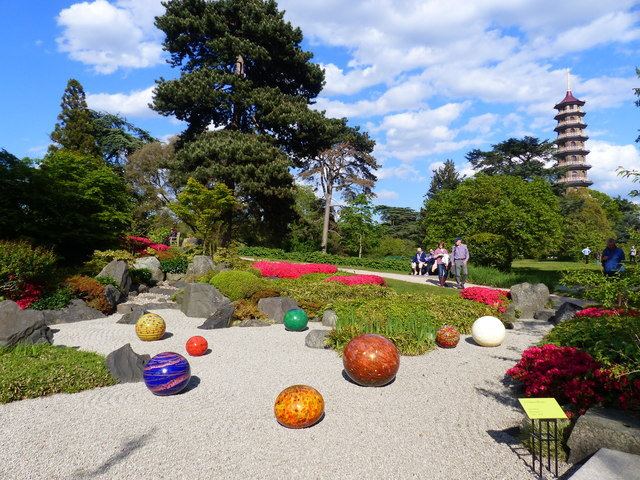 Zen Garden with sculptures by Chihuly, Kew Gardens