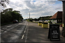 SP6918 : The A41, Kingswood by David Howard