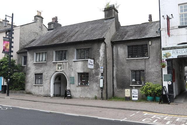 Gatehouse to Hospital