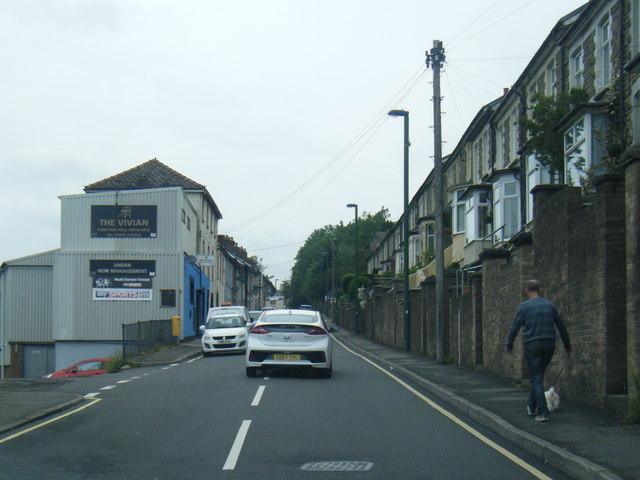 Alexander Road, Six Bells