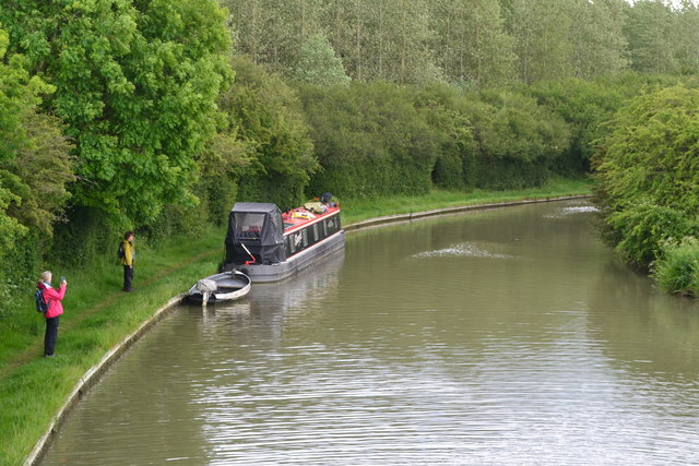 Grand Union Canal west of Wrights Lane Bridge