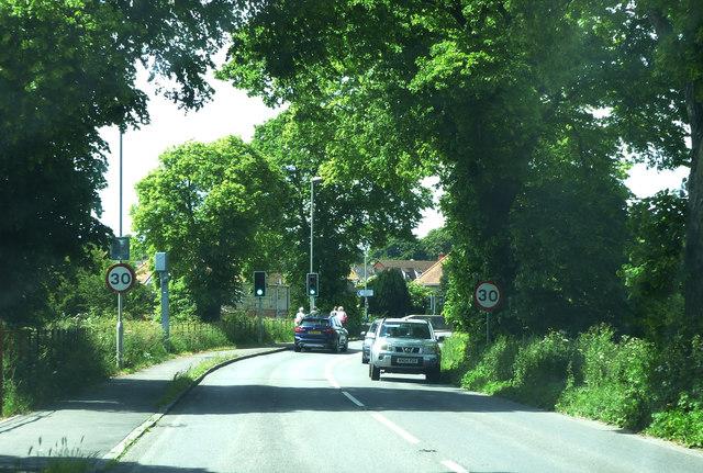 London Road, B3150, approaching Grey's Bridge