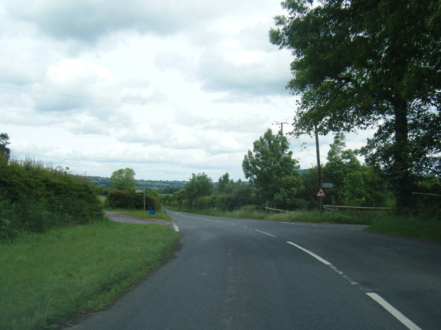 Old Ross Road junction near Parsonage Farm