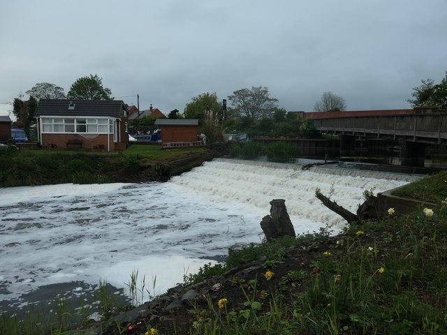 The northern of the two weirs at Zouch