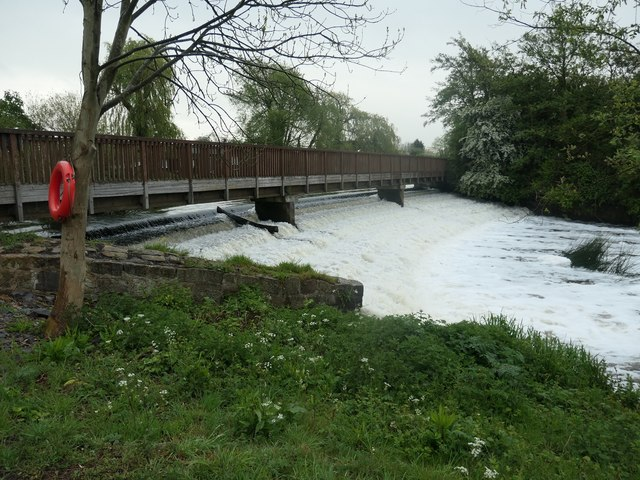 The southern of the two weirs at Zouch
