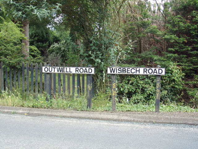 Road Name signs on Outwell Road