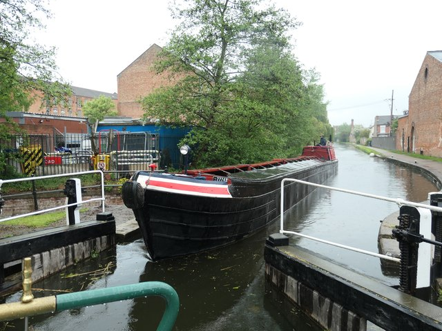 Working boat 'Bath' entering Long Eaton Lock