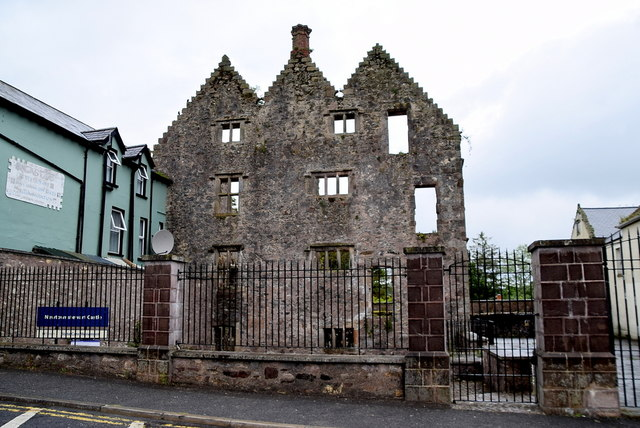 Ruined castle, Newtownstewart