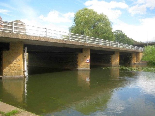 River Nene: Wellingborough Bridge