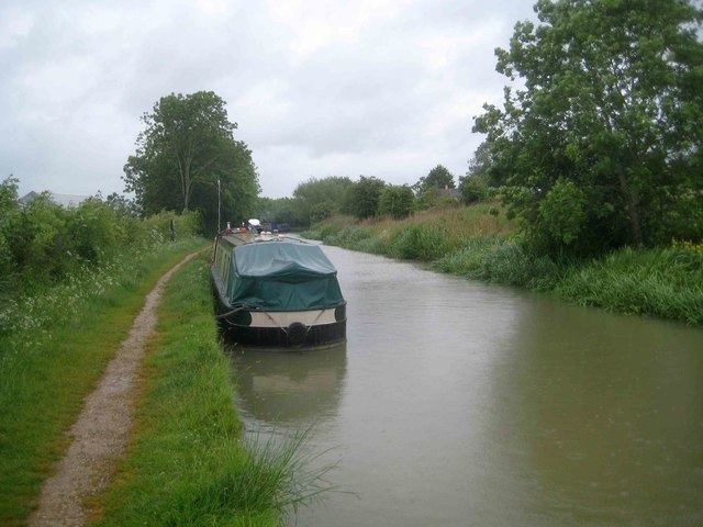 Oxford Canal: Mooring at Fenny Compton