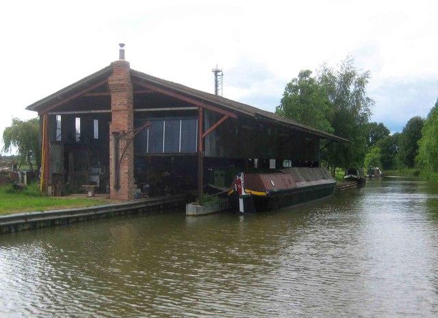 Oxford Canal: Clattercote Wharf