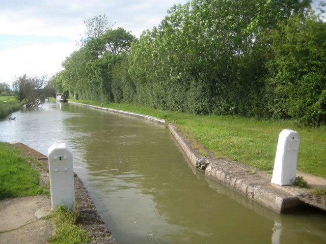 Oxford Canal: Pound upstream of Varney's Lock Number 23