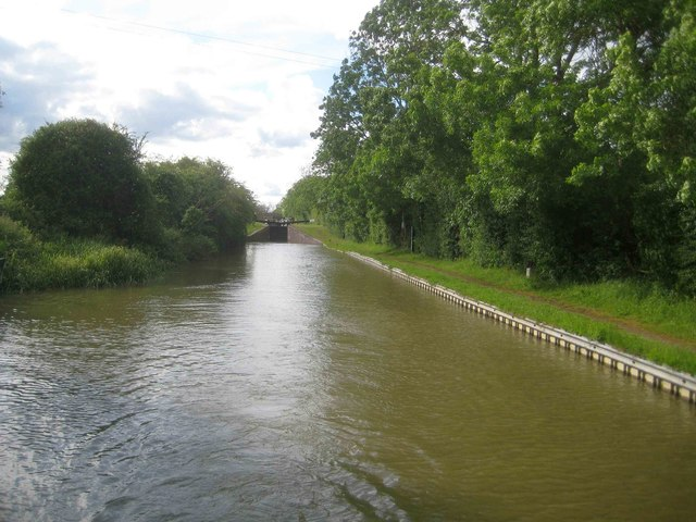 Oxford Canal: Pound downstream of Varney's Lock Number 23