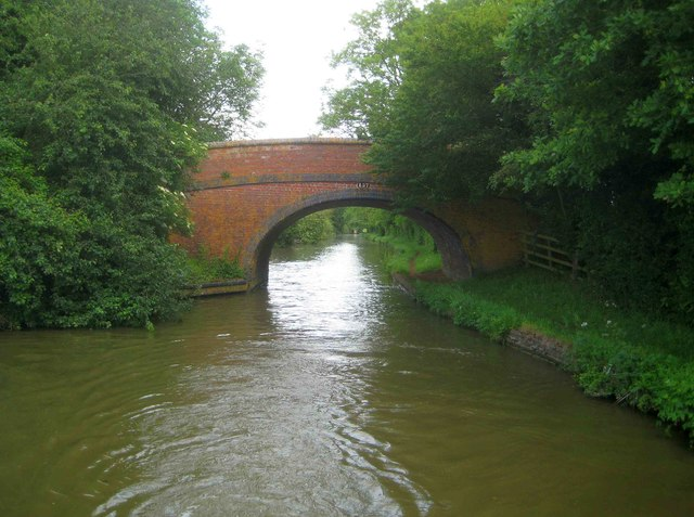 Oxford Canal: Caves Bridge Number 157