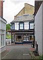 TQ5838 : Tunbridge Wells: across Chapel Place by John Sutton