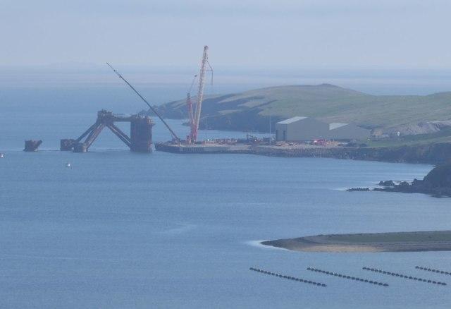Oil rig being dismantled in Dales Voe