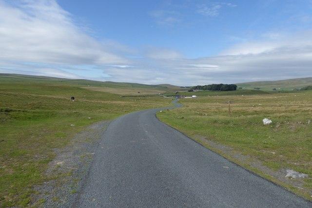 Road south of Malham Tarn