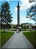 NT2574 : Melville Monument, St Andrew Square, Edinburgh by Richard Sutcliffe
