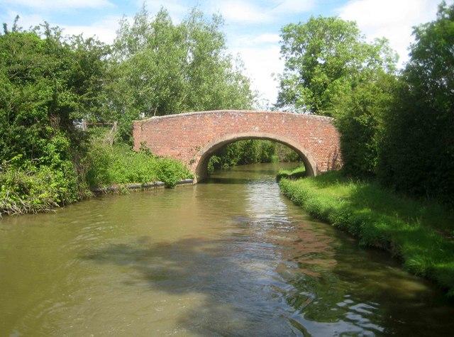 Oxford Canal: Bourton Bridge Number 158