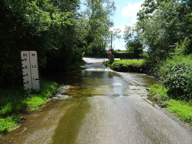 Ford on Earls Common Road, Shell