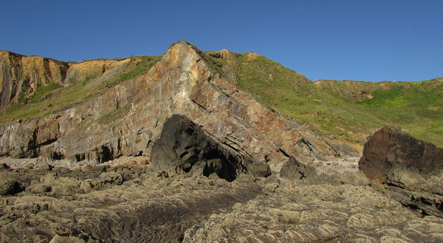 Rock and cliff, Upton Beach