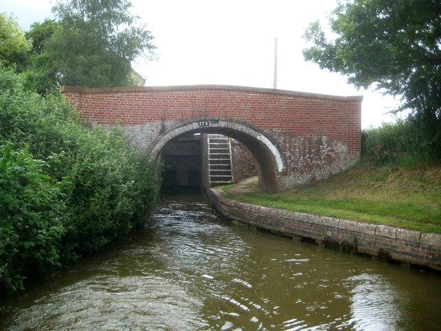 Oxford Canal: Grant's Lock Bridge Number 174