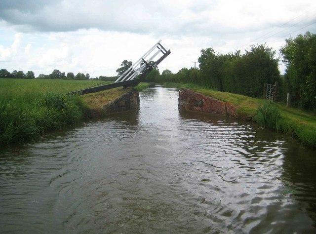Oxford Canal: Stevens Lift Bridge Number 175