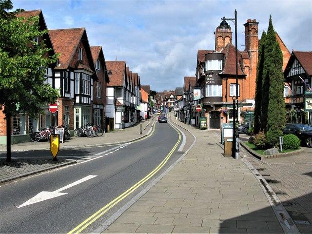 High Street, Lyndhurst