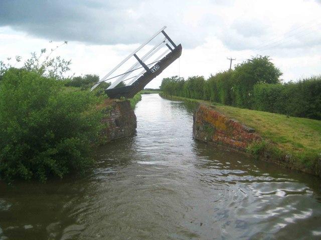 Oxford Canal: Stevens Lift Bridge Number 176