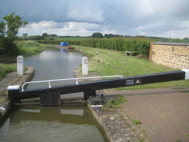 Oxford Canal: Reach upstream of Kings Sutton Lock Number 31