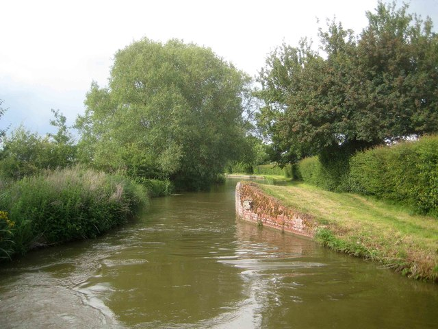 Oxford Canal: Site of former Swing Bridge Number 180