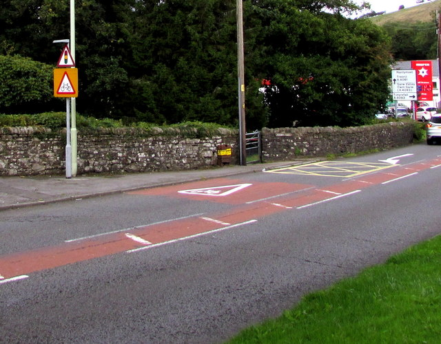 Warning signs - traffic lights and cyclists, Blackmill