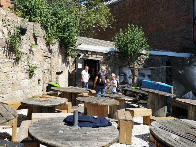 Outside seating, The Clutha Bar