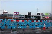 TL1020 : Luton Retail Park on Gipsy Lane by David Howard