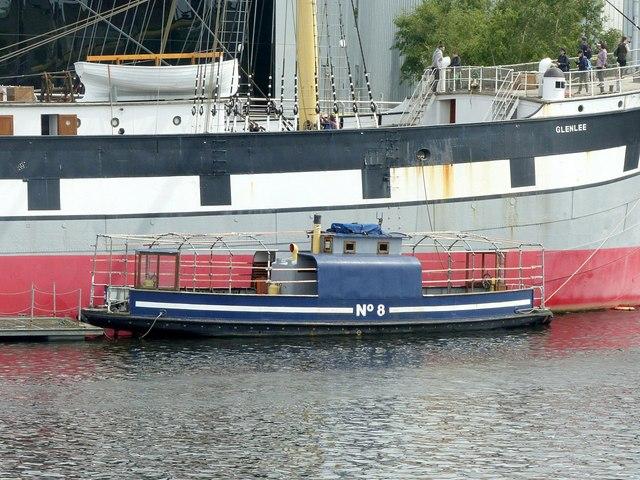 Ferry No.8 at Kelvinhaugh