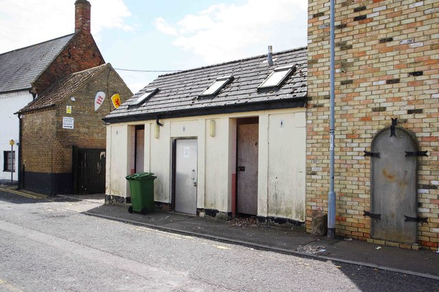 Former toilets, Station Street, Chatteris, Cambs