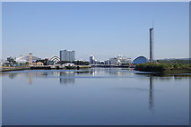 NS5565 : River Clyde at Kelvinhaugh, Glasgow by Rudi Winter