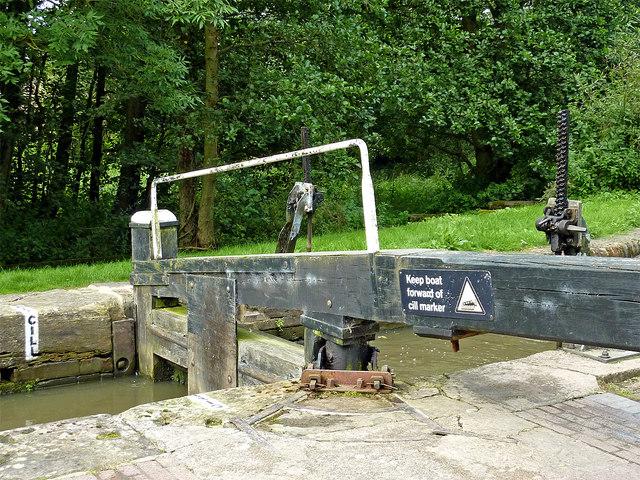 Lock gate west of Rowington Green in Warwickshire