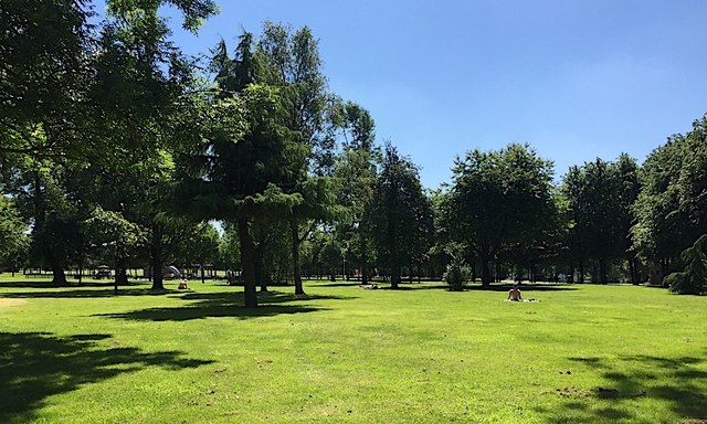 Glasgow Green on a hot sunny day