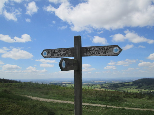 Bridleway  meets  Cleveland  Way  at  Boltby  Scar