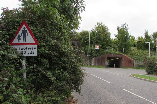 Warning sign - No footway for 32 yds, Littlemoor Road, Weymouth