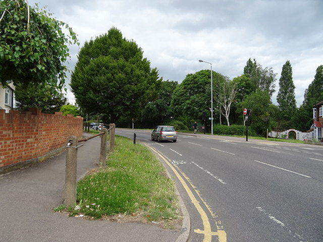 Larkshall Road
