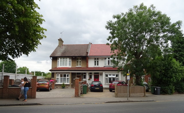 Houses on King's Road, Chingford