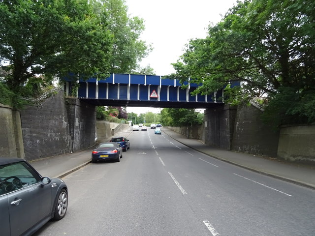 Railway bridge over  King's Road (A110), Chingford