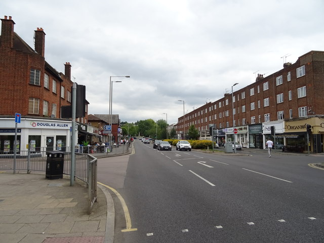 High Road (A121), Loughton